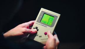 Hardware Hacker Modifies Old School Game Boy To Mine Bitcoin